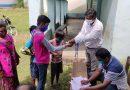 শিক্ষক দিবসে ছাত্র ছাত্রীদের স্বাস্থ্য সামগ্রী দিলেন শিক্ষক-শিক্ষিকারা